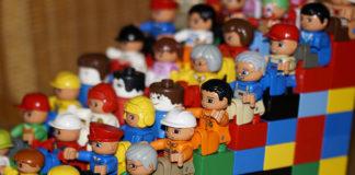 Przydatne sposoby oszczędzania na zabawkach dla dzieci